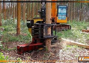 Cabeçote florestal para trator